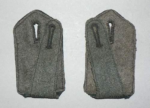 Click image for larger version.  Name:schouderstukk zwarte waffenfarbe1.jpg Views:99 Size:83.4 KB ID:571086