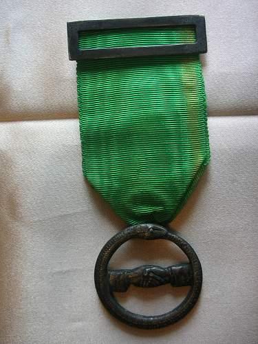 Identification on medal