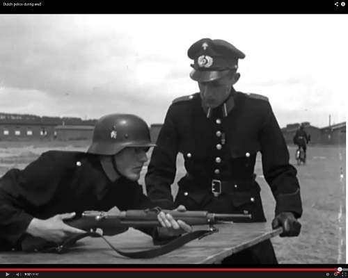 Dutch   Communal police helmets and equipment ?