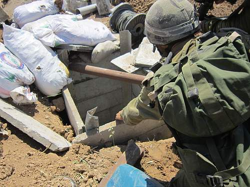 Click image for larger version.  Name:idf_soldiers_found_terror_tunnel_in_gaza_14753333031.jpg Views:15 Size:169.2 KB ID:835848