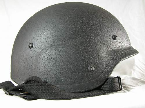 Unidentified helmet, possible South Korean. Help wanted!
