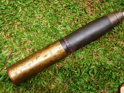Click image for larger version.  Name:Twenty five pounder case and smoke shell  (3).jpg Views:0 Size:93.6 KB ID:1004937