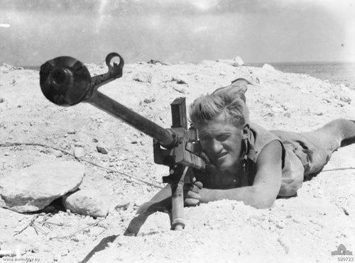 Click image for larger version.  Name:Boys ant-tank gun.jpg Views:75 Size:32.3 KB ID:1013119