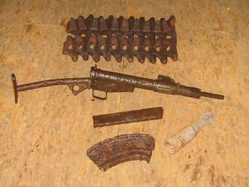 Bren Carrier Links, Steb MkII + Mag, Bren Mag, 2 inch Illume.JPG