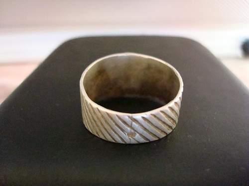 skull ring 2.JPG