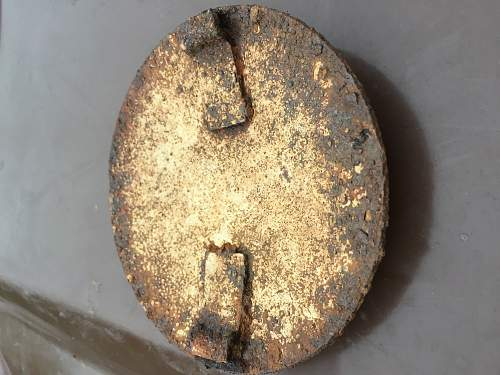 Found metal detecting -any ideas please?