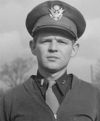 Oliver Jelks in uniform.jpg