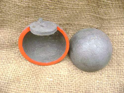 Grenades (ammunition) of the First and Second World War. View from the inside