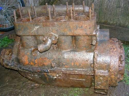 T20 Komsomolets and Stz 5 artillery tractor parts