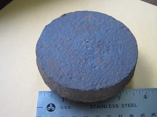 Help - Illum round base plug or machinery?
