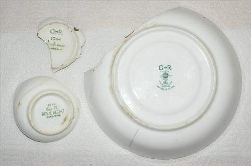 Click image for larger version.  Name:crockery.JPG Views:3 Size:97.5 KB ID:157939