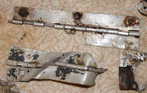 Donations to the collection - Crashed B17 parts