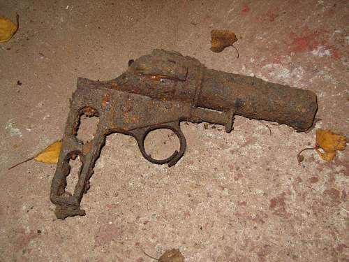 Flare Pistol- Roermond