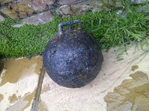 Sea mine or just a metal buoy ?