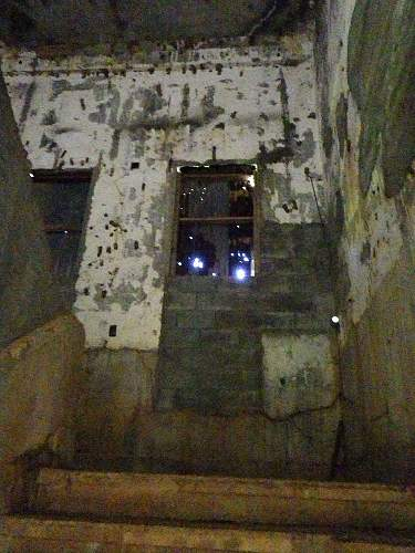 Click image for larger version.  Name:tinianbunker08.jpg Views:3 Size:209.1 KB ID:477984