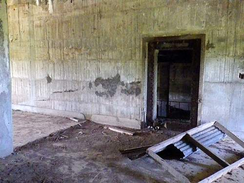 Click image for larger version.  Name:tinianbunker09.jpg Views:3 Size:175.1 KB ID:477985