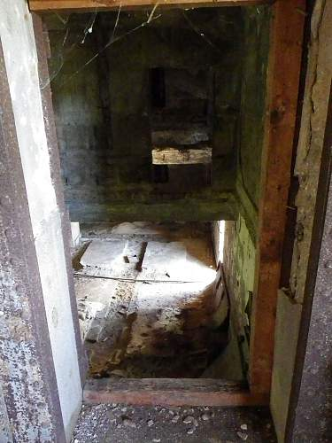 Click image for larger version.  Name:tinianbunker14.jpg Views:3 Size:142.6 KB ID:477990