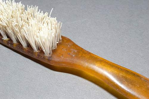 Click image for larger version.  Name:Toothbrush Detail 2 wrf800.jpg Views:3 Size:46.7 KB ID:484958