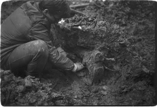 digging late 80's (14).jpg