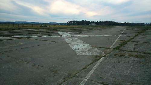 1941 Airfield and visit, ID help needed with some bits