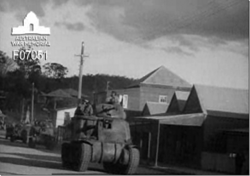Click image for larger version.  Name:Grant tanks in Herberton main street WWII [640x480].png Views:0 Size:257.1 KB ID:697008