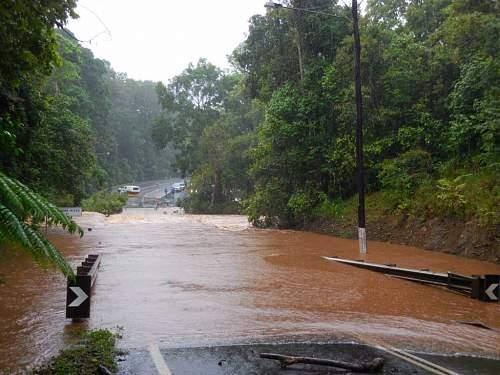 Click image for larger version.  Name:Tablelands Floods Sun  08 Febr  15 (5).JPG Views:5 Size:178.7 KB ID:801989