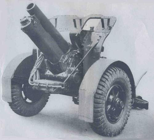 Click image for larger version.  Name:Q.F. 4.5-inch How Mk 2 on Carriage Mk 1P.jpg Views:0 Size:57.4 KB ID:864640