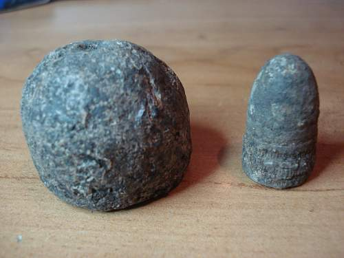 Cannonball ? but not round - Lead projectile