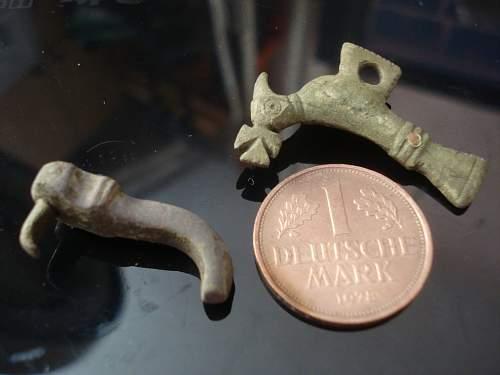 Rhino bronze iron cross pin?