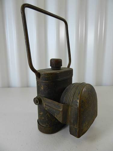 Click image for larger version.  Name:WW2 Australian Army LAMP by Kempthorne.JPG Views:0 Size:171.5 KB ID:894439