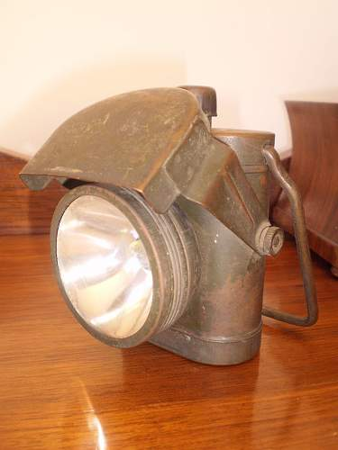 Click image for larger version.  Name:W2 Australian Military Torch D^D.JPG Views:0 Size:167.9 KB ID:894440