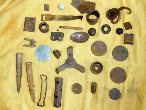 Australian  WWII - Far North  Queensland Metal detecting and  recovery