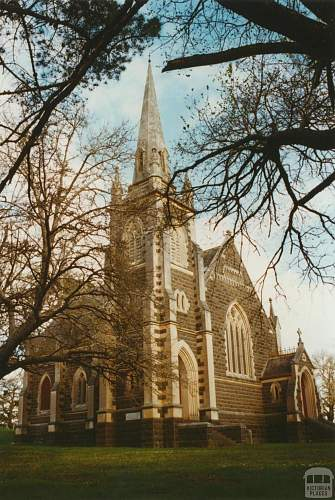 Click image for larger version.  Name:Carngham Presbyterian Church, 2002.jpg Views:0 Size:269.9 KB ID:944049