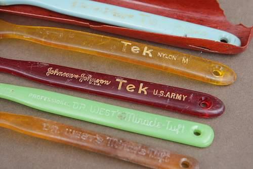 Tek US Army Toothbrush Handles WRF1200.jpg
