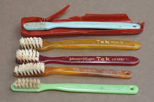 Toothbrushes WRF1200.jpg