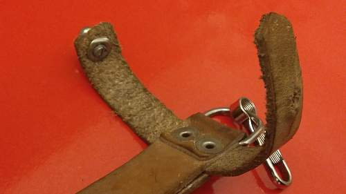 Unknown bayonet leather belt hanger?