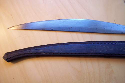 Strange knife ID