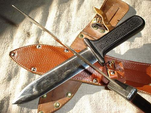 Hungarian general purpose fighting knife from the late 40s.