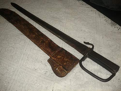 Help with an unusual Bayonet/Sword