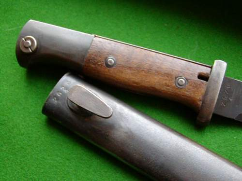Click image for larger version.  Name:S84-98 44 cvl rivetted wood grips 002.JPG Views:165 Size:57.1 KB ID:460719