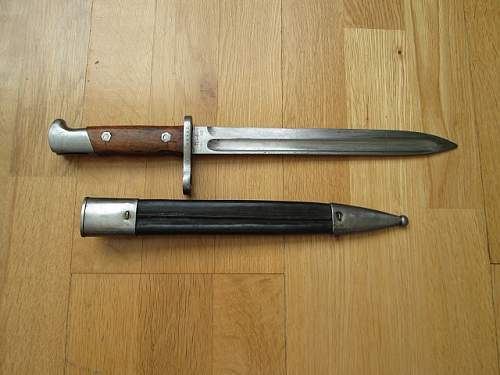 Two bayonets to be identified