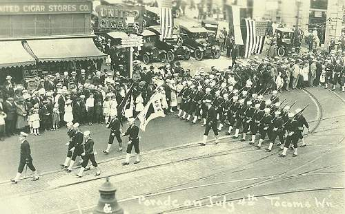 Click image for larger version.  Name:USS Texas Parade.jpg Views:545 Size:141.7 KB ID:545819