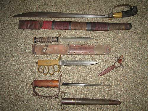 Click image for larger version.  Name:trench knife and stuff 013.jpg Views:101 Size:237.5 KB ID:569606
