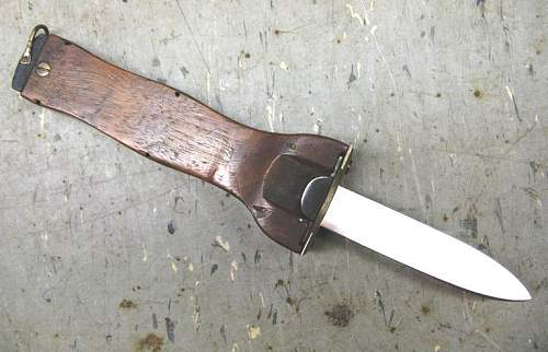 unknown gravity knives ! ...