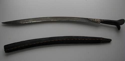 Who has Yataghan bayonets?