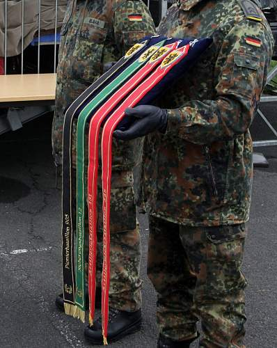 Can you identify this (flag?) streamer PLEASE