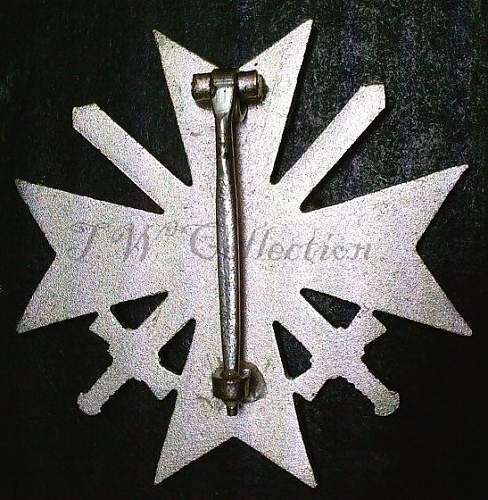 Click image for larger version.  Name:24) KVK w-swords rear.jpg Views:87 Size:154.6 KB ID:185395