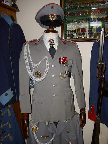 Oberst private purchase tailored tunic + 57' awards.