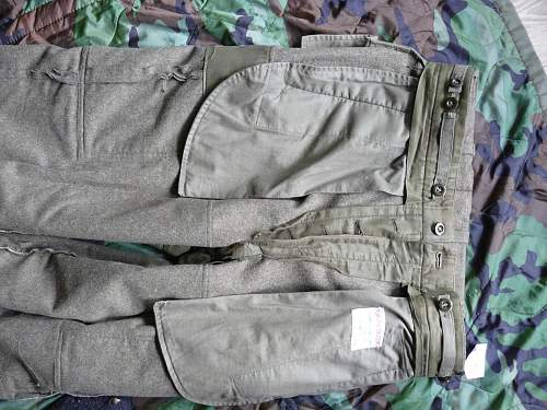 Early Bundeswehr combat trousers ?
