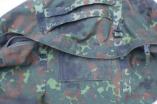 Flea market: Bundeswehr pick-ups